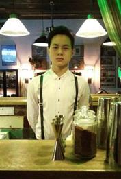 余世平-苏荷酒吧调酒师